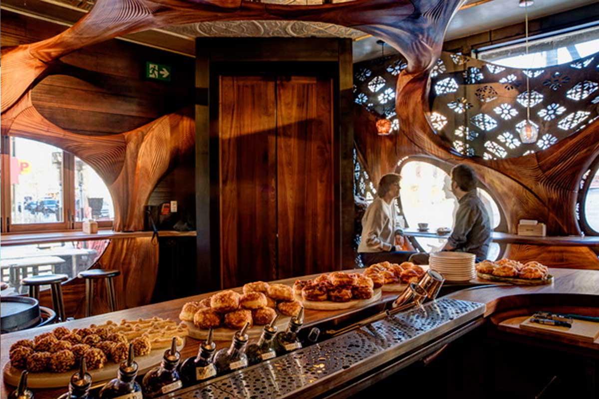 Thiết Kế Nhà Hàng Bar Độc Đáo El Raval Với Phong Cách Art Nouveau